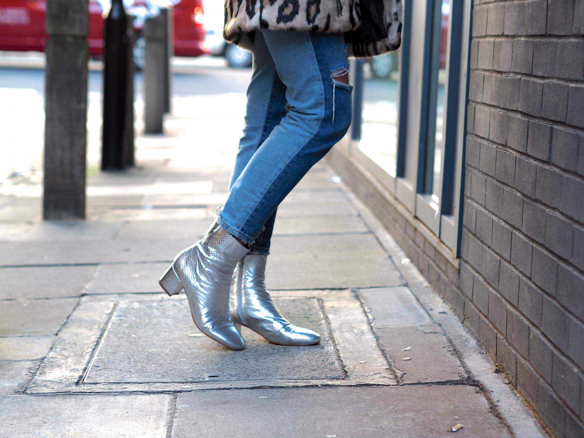 silver boots fashion blogger 2