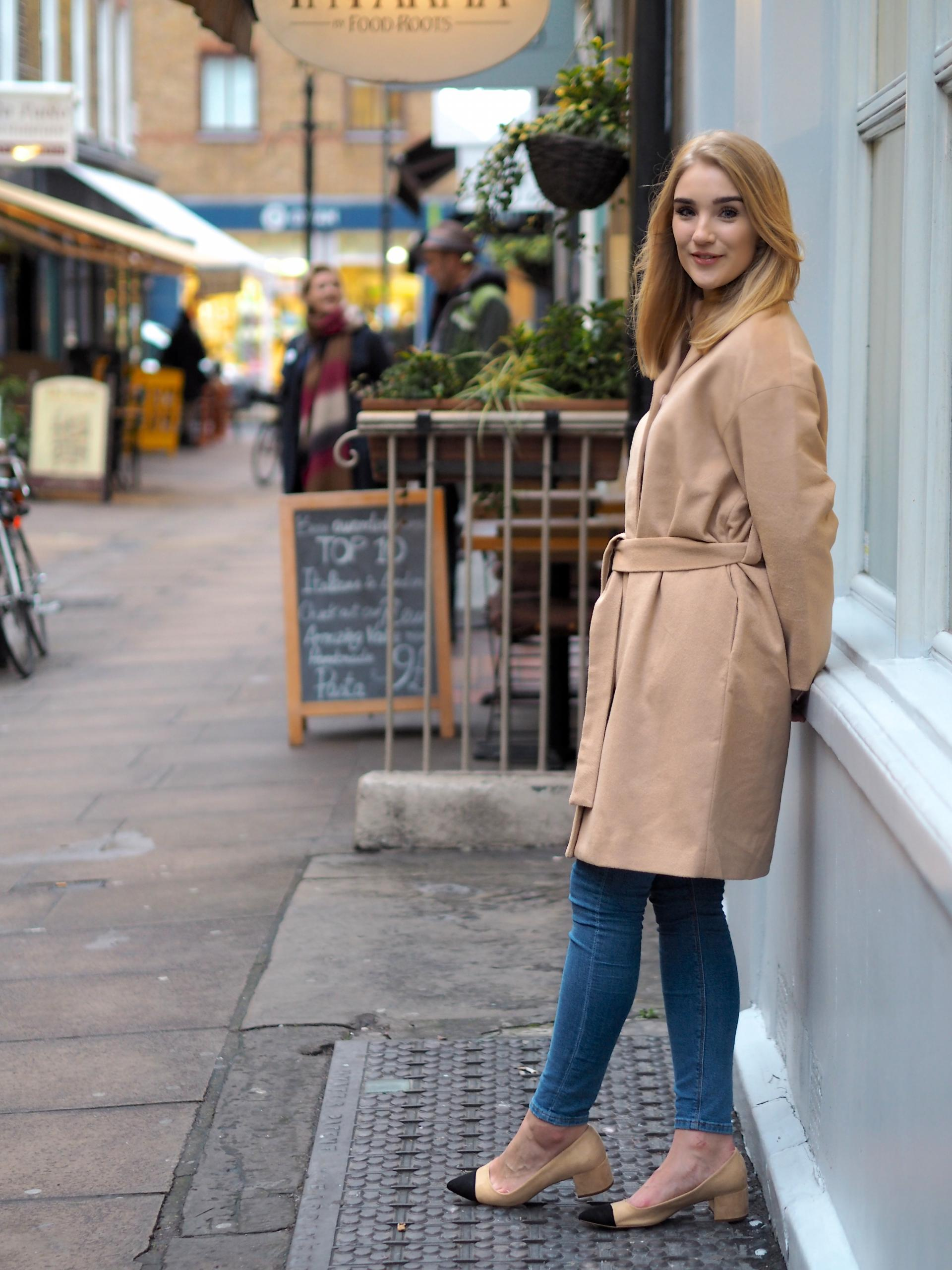camel coat fashion blogger
